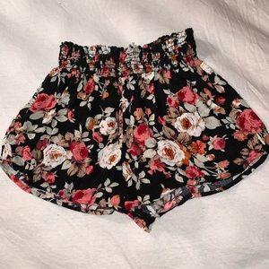 black floral flowy shorts 🖤